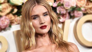 La modelo Rosie Huntington-Whiteley es una apasionada más de la firma Zara. / Gtres