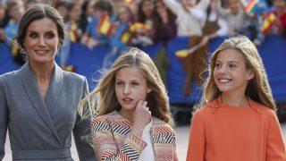 La reina Letizia con sus hijas Leonor y Sofía / Gtres