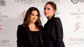 Eva Longoria y Victoria Beckham en un evento en Londres en 2017 / Gtres