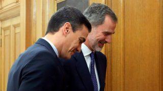 Felipe VI y Pedro Sánchez durante la investidura de este miércoles / Gtres