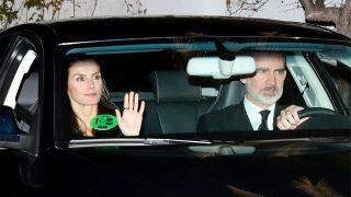 Letizia y Felipe saliendo de la capilla ardiente de la infanta Pilar / Gtres
