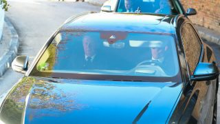 Los reyes eméritos acuden al domicilio de la infanta Pilar de Borbón para dar su último adiós (Foto: Gtres)