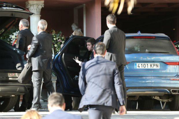 Los reyes Juan Carlos y Sofía acuden para dar su último adiós a la infanta Pilar con sus hijas Cristina y Elena