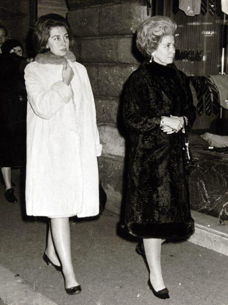 Los 'secretos' de juventud de la reina Sofía por fin ven la luz