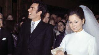 El cantante Julio Iglesias e Isabel Preysler el día de su boda (Foto: Gtres)