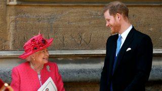 La reina Isabel y el príncipe Harry durante la boda de Lady Gabriella Windsor / Gtres