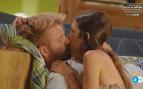 Los besos apasionados de Andrea y Oscar y el ataque de ira de Alex, protagonistas de 'La isla de las tentaciones'