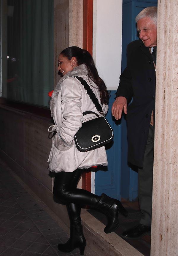 Isabel Pantoja y Paolo Vasile tras cenar en Madrid / GTRES