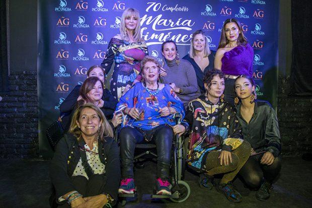 María Jiménez, 'en su salsa', celebra su 70 cumpleaños en la feria de la moda flamenca