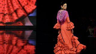 Desfile de Miabril en el Salón Internacional de la Moda Flamenca (SIMOF). / Gtres