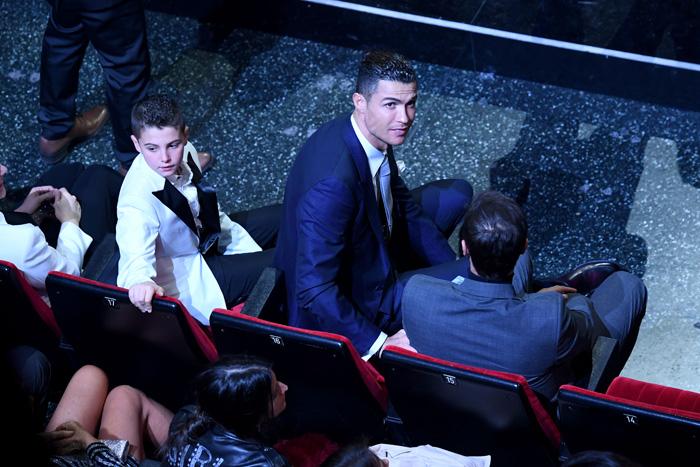 Cristiano Ronaldo, espectador de excepción del Festival de San Remo durante la gran noche de Georgina Rodríguez / GTRES