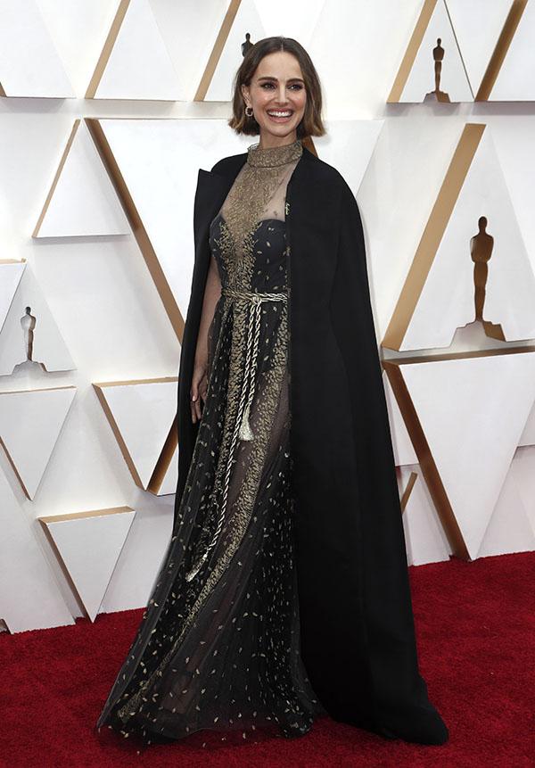 Natalie Portman ha aprovechado su sofisticado look para hacer una reivindicación feminista en la alfombra roja de los Oscar / GTRES