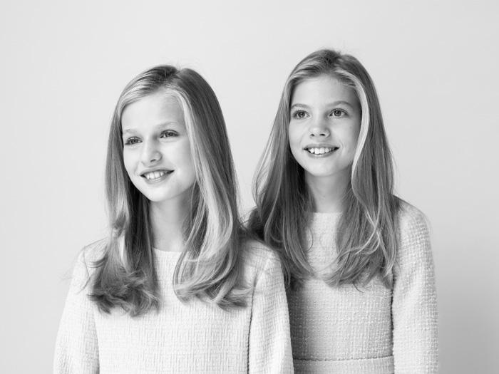 La princesa Leonor y la infanta Sofía en su primer retrato oficial juntas sin sus padres / Casa Real
