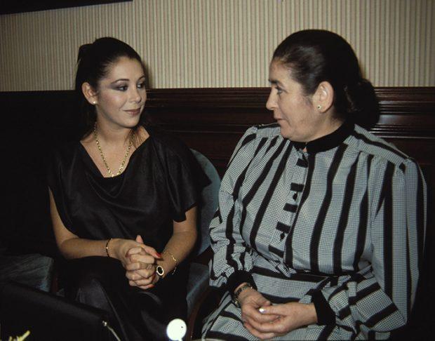 Isabel Pantoja y doña Ana