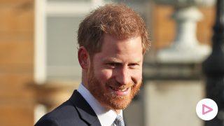 El príncipe Harry en un evento en el Palacio de Buckingham / Gtres