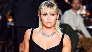 Miley Cyrus en el desfile de Marc Jacobs durante la New York Fashion Week. / Gtres