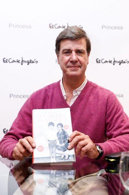 Cayetano Martínez de Irujo durante la presentación de su libro 'De Cayetana a Cayetano'/Gtres