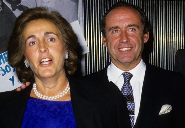 José María Ruiz-Mateos y su mujer Teresa Rivero en un acto público/Gtres