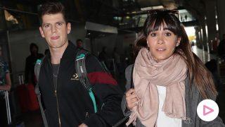 Aitana y Miguel Bernardeu a su llegada a Madrid / GTRES