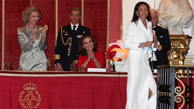Doña Sofía aplaudió a la fundadora de la Fundación Callia, Esther Koplovitz / GTres