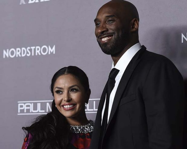 Vanessa y Kobe Bryant en una presentación. Siempre iban juntos a todos los eventos / GTres
