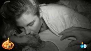 Ivana Icardi y Hugo Sierra se han entregado al amor./Mediaset