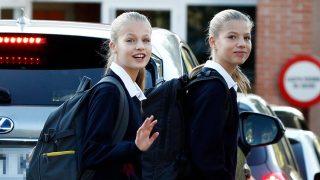 La princesa Leonor y la infanta Sofía llegando al colegio en septiembre  / Gtres