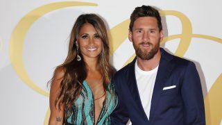 Leo Messi y Antonela Roccuzzo en la fiesta postboda de Cesc y Daniella en Ibiza, 2018/ GTRES
