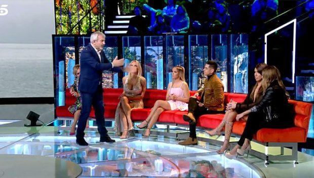 Carlos Sobera sorprendido por la actitud de Gloria Camila y Sofía Suescun / Imagen de Telecinco