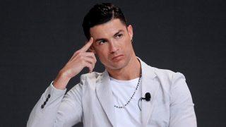 Cristiano Ronaldo tiende la mano para frenar el coronavirus/Gtres