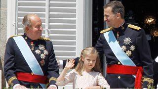 Don Juan Carlos, la princesa Leonor y Felipe en la investidura de Su Majestad / Gtres