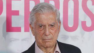Mario Vargas Llosa en la premier del documental 'Mario y los perros' en Madrid, 2019./ GTRES