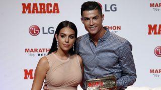 Cristiano Ronaldo y Georgina durante los premios de 'Marca' en Madrid, 2019./ GTRES