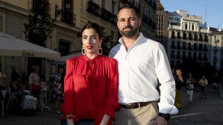 Lidia Bedman y Santiago Abascal / GTRES