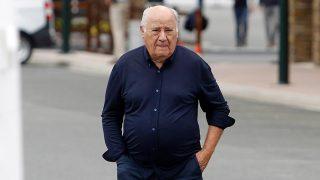 Amancio Ortega vuelve a fabricar batas para ayudar a España/Gtres