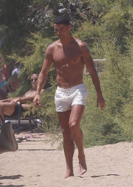 Cristiano Ronaldo durante un día de playa / GTRES