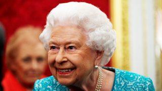 La reina Isabel en un acto en Londres / Gtres