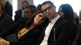 Cristiano Ronaldo, el mejor instructor deportivo para su madre durante la recuperación/Gtres