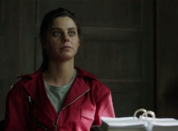 La actriz de 'La casa de papel' se ha metido de lleno a ayudar a los enfermos por coronavirus en un hospital de Madrid / Imagen de 'La casa de papel'
