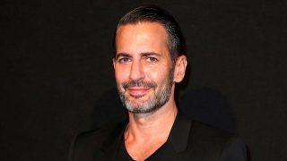 El diseñador Marc Jacobs se ha convertido en maquillador