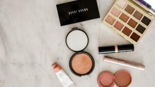¿Cómo arreglar los productos de maquillaje que se han roto?