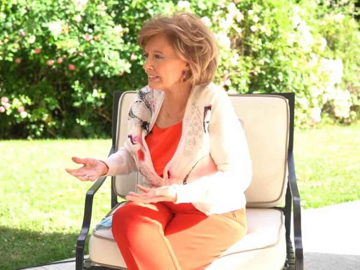 María Teresa Campos ha aprovechado uno de sus porches para grabar en él su nuevo programa / Youtube