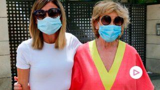 Alba ya está en España junto a su madre, que esta semana comenzaba el tratamiento/Gtres