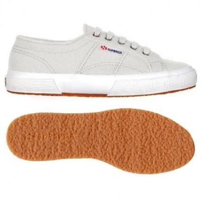 Vans, Adidas, Nike y Superga estas son las zapatillas clásicas de rebajas que querrás tener