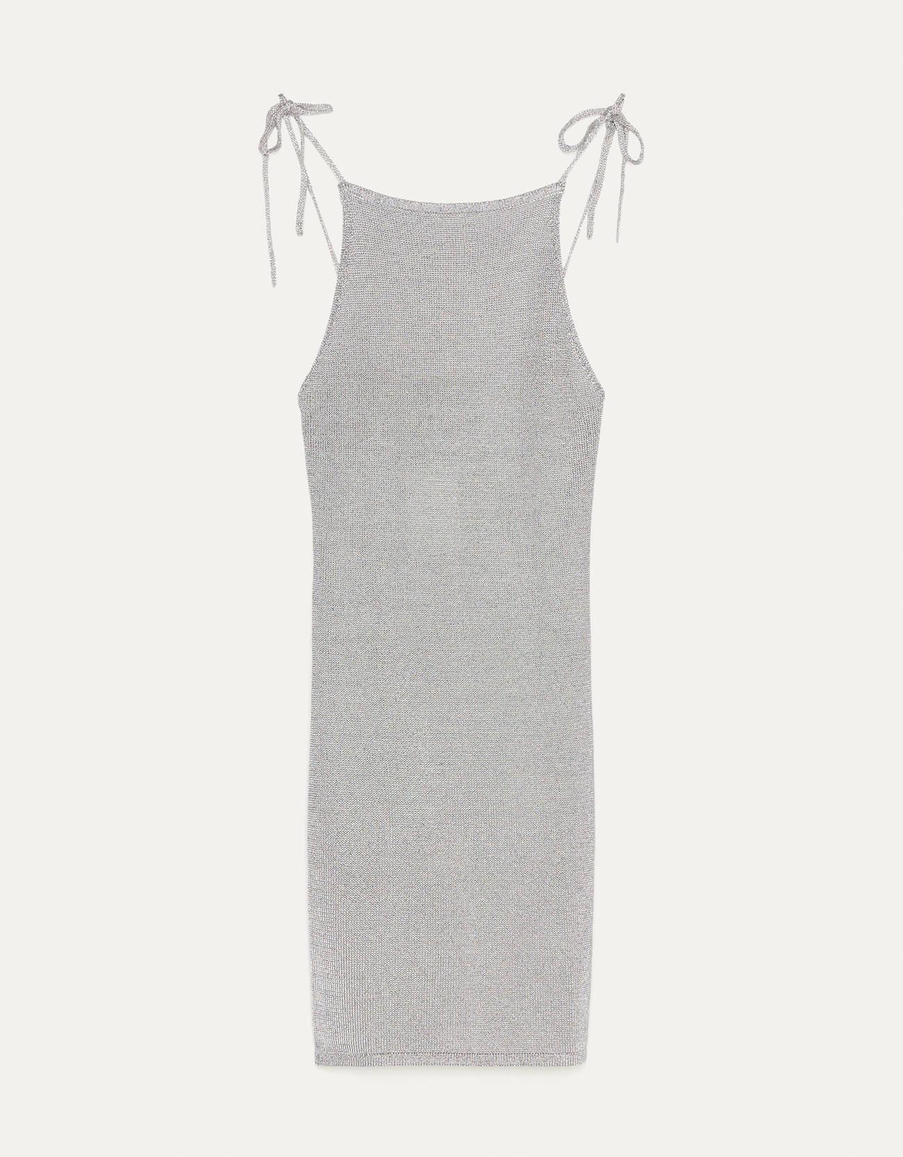 Si te apasionan los brillos, estos son los vestidos brillantes de Bershka de rebajas