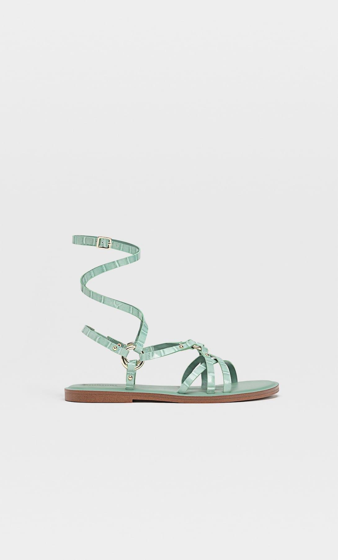 Estos son los mejores zapatos planos de Stradivarius con descuento diseñados todo tipo de looks