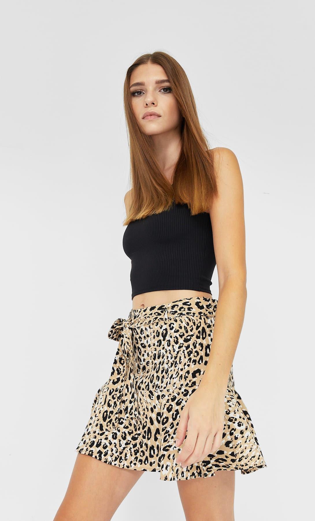 La falda pantalón de Stradivarius ideal para un verano repleto de acción vale solo 15,99 euros