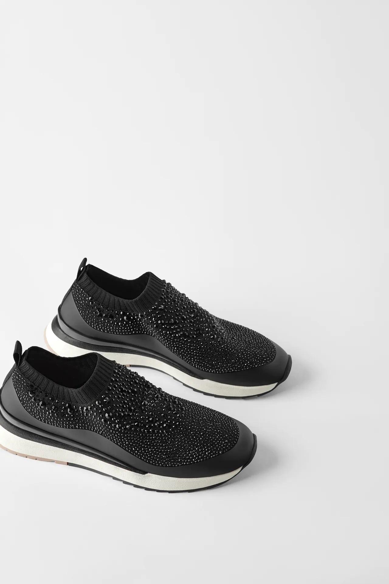 Ana de Armas causa sensación con vestido negro y zapatillas deportivas, estas son las alternativas low cost a tu alcance