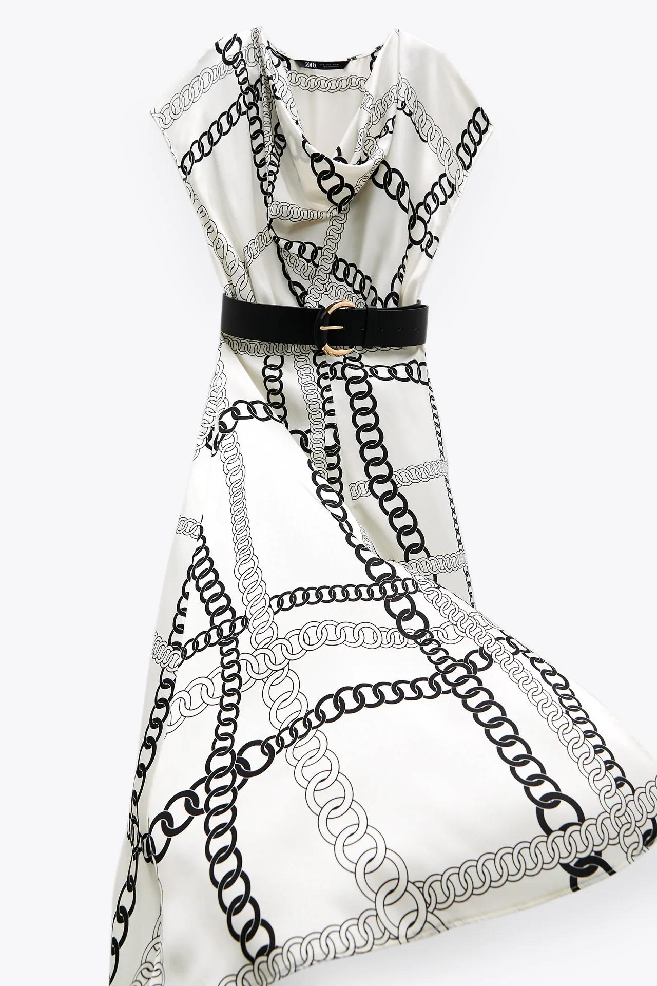 De la pasarela a la calle, este es el vestido midi de Zara que se inspira en el estampado de Versace