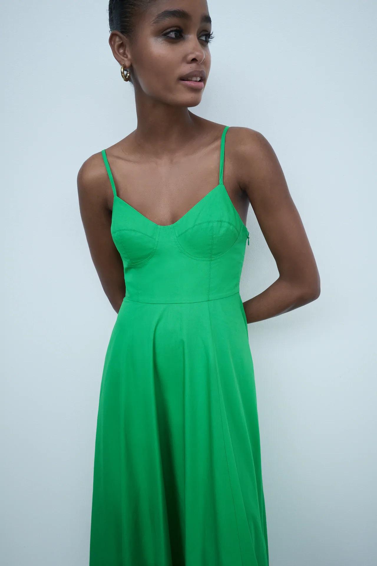 Este es el total look low cost de Zara para triunfar en una boda, bautizo o comunión